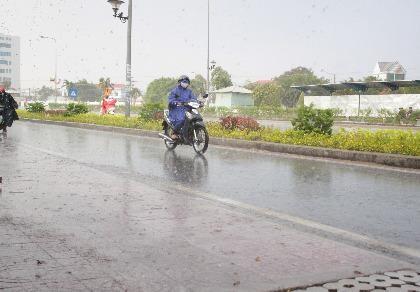 Long An có mưa chuyển mùa