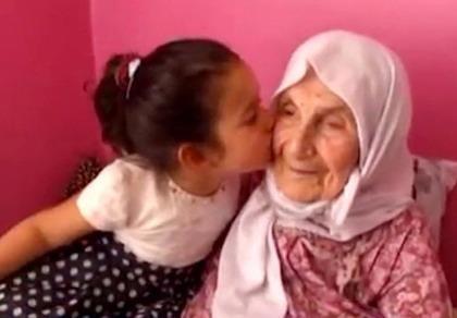 Bí quyết sống lâu của cụ bà 111 tuổi có 120 cháu chắt