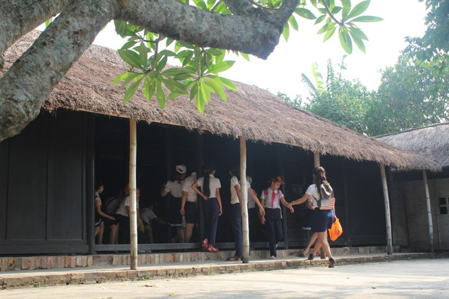 Thăm căn nhà ghi dấu tuổi thơ Bác Hồ