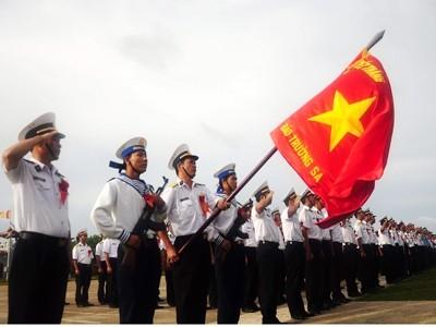 1.000 lá cờ Tổ quốc cho Trường Sa