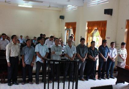 10 cán bộ hải quan Kiên Giang lãnh án cao nhất 6 năm tù