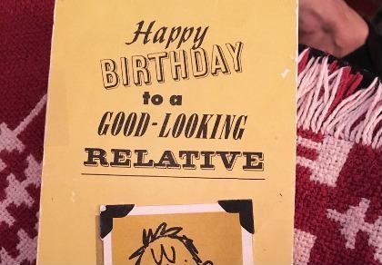 Kỳ lạ tấm thiệp mừng sinh nhật được gửi 94 lần
