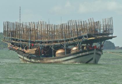 Còn hơn 400 tàu đánh bắt vẫn chưa vào bờ