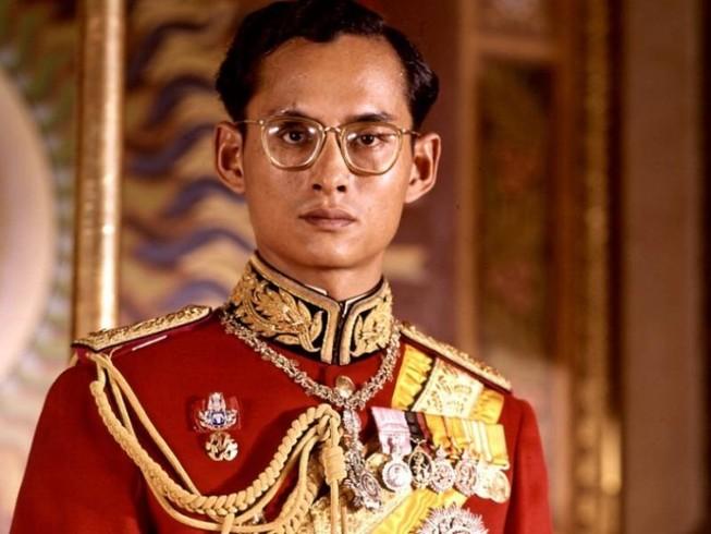 Cuộc đời vua Thái Lan qua hình ảnh