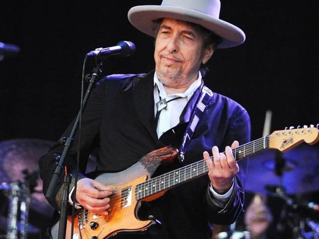 Nghe lại những ca khúc bất hủ của Bob Dylan
