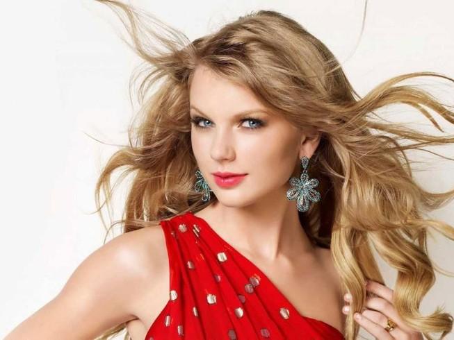 Taylor Swift chiếm ghế ca sĩ có thu nhập khủng nhất năm