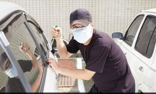 Tên trộm xúi quẩy nhất năm: Trộm nhầm xe cảnh sát