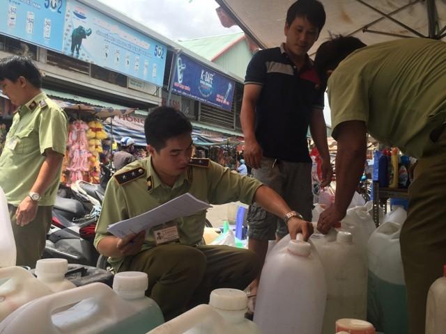 Phát hiện chất vàng ô ở chợ Kim Biên