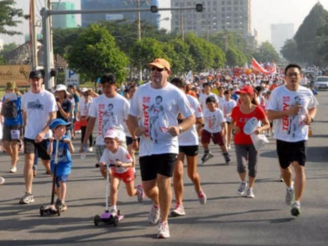 Chạy từ thiện Terry Fox ủng hộ quỹ chữa ung thư