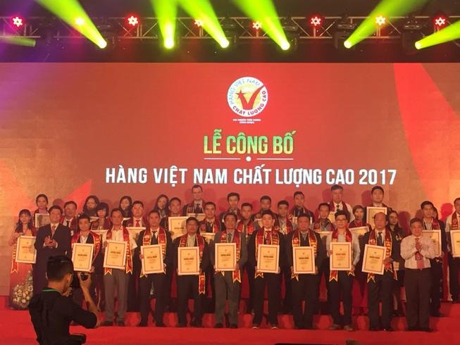 Trao tặng danh hiệu hàng Việt Nam chất lượng cao
