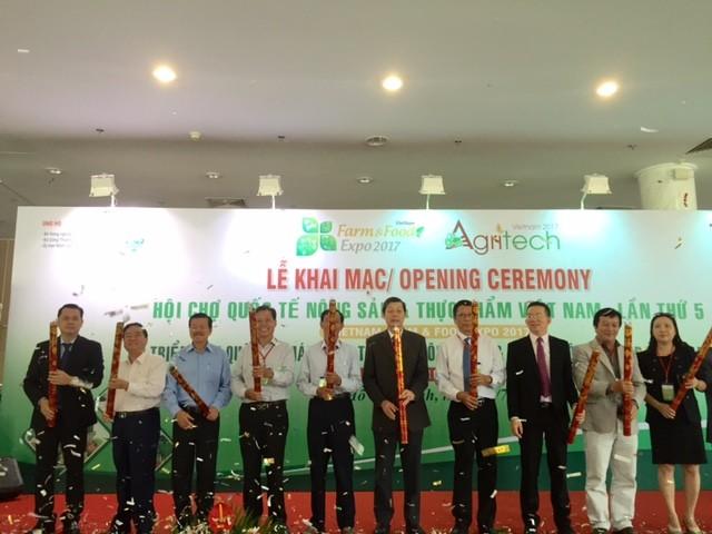 Hàng loạt đặc sản nổi tiếng hội tụ về hội chợ Sài Gòn