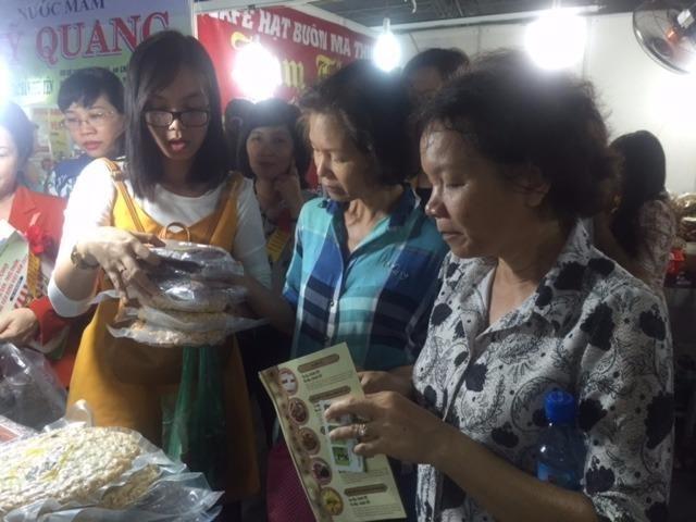 TP.HCM khai mạc Hội chợ nông sản thực phẩm sạch