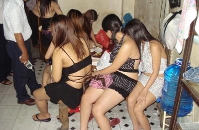 Hơn 70 cảnh sát triệt phá động mại dâm 'khủng'