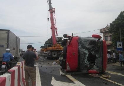 Tai nạn xe khách thảm khốc, 1 người chết, 7 người bị thương