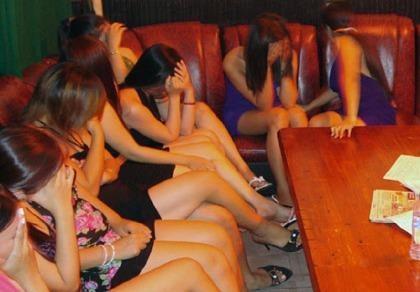 Triệt phá 'động' mại dâm, thu giữ gần 110 triệu đồng