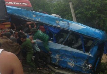 4 ô  tô tông nhau tại dốc Cun, 1 người chết, 5 người bị thương