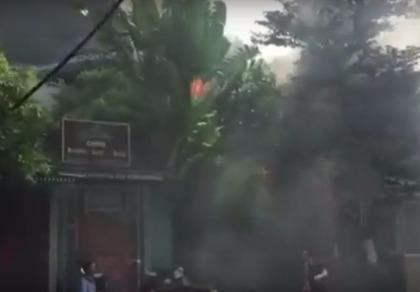 Cháy ngùn ngụt tại quán cafe trên phố Phan Kế Bính