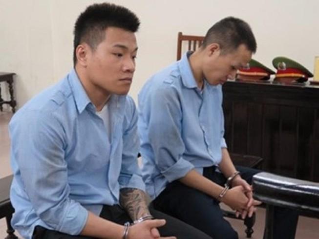 2 thanh niên đi tù vì cướp tài sản của phụ nữ