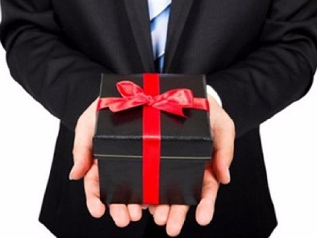 Bộ Công an: Cấm tặng quà, chúc tết cấp trên