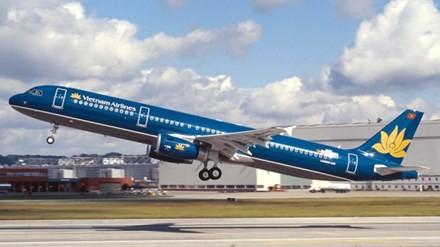 Máy bay Vietnam Airlines chở 141 hành khách hạ cánh khẩn cấp