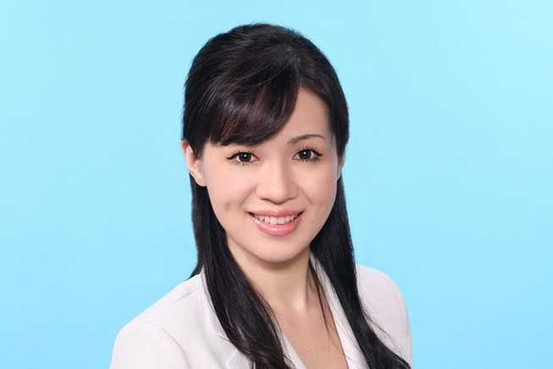 Nữ nghị sỹ xinh đẹp người Nhật bị khai trừ đảng do bỏ họp đi chơi