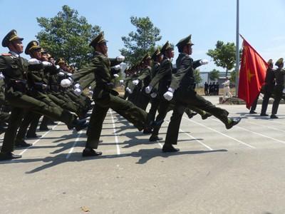 Hàng nghìn cảnh sát luyện tập cho Lễ diễu binh ngày 30/4