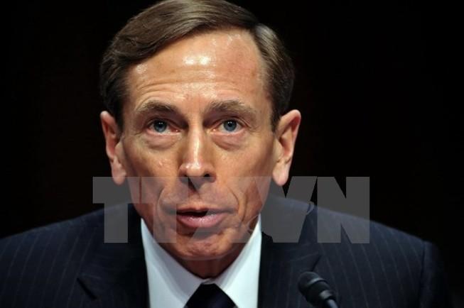 Cựu Giám đốc CIA Petraeus bị phạt tù vì tiết lộ tin mật cho bạn gái