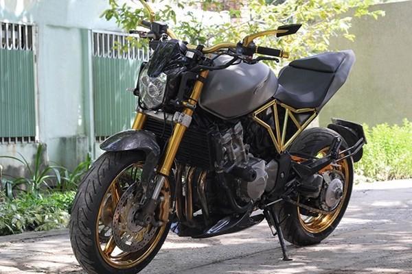 Tận thấy Honda Hornet 600 mạ vàng 24k ở Việt Nam