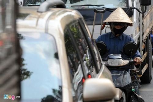 Trời nóng, đi ô tô không điều hòa coi chừng đột quỵ