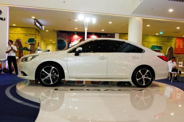 Đối thủ của Toyota Camry, Mazda6 đã về VN