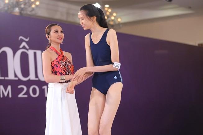 """Hai thí sinh cao """"khủng"""" nhất Vietnam's Next Top Model 2015"""