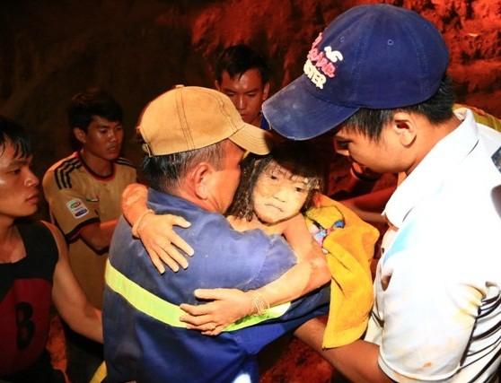 Bộ Công an khen lực lượng giải cứu cháu bé ở Bình Dương