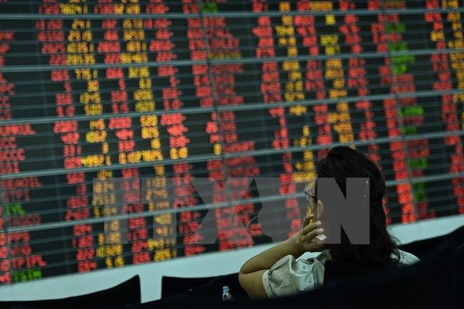 Quan ngại về kinh tế toàn cầu, chứng khoán châu Á ngập trong sắc đỏ