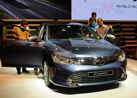 Giá xe Toyota tăng tới 55 triệu đồng từ 1/10