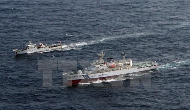 Hải quân Hàn Quốc bắn cảnh cáo tàu tuần tra Trung Quốc