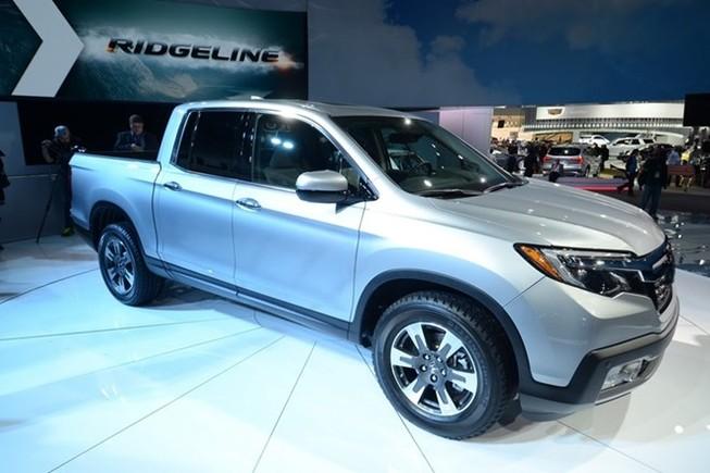 """Ridgeline 2017 : Xe bán tải mới của Honda """"đại náo"""" triển lãm Detroit 2016"""