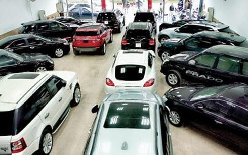 Nhà giàu tranh mua ô tô