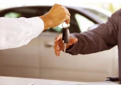 Thuê xe tự lái, bị hư trên đường ai chịu trách nhiệm?
