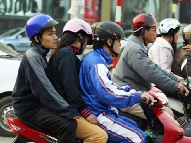 Trường hợp nào xe mô tô, gắn máy được chở 2 người?