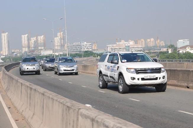 Điều khiển ô tô chạy chậm, có bị phạt?