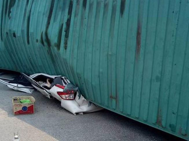 Đừng bao giờ làm lái xe container giật mình
