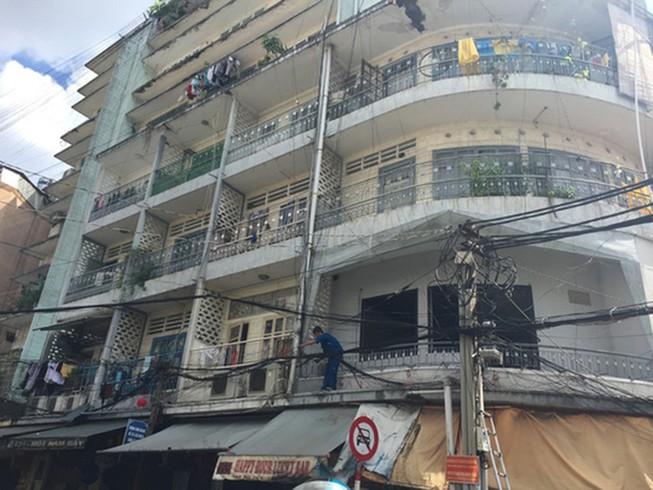 Ba chung cư hư hỏng nặng cần tháo dỡ gấp