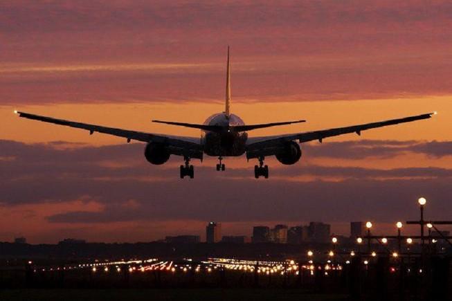 TP.HCM xin tăng cường chuyến bay đêm để giảm kẹt xe