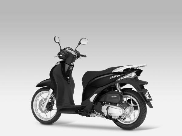 Honda Việt Nam triệu hồi hơn 12.000 xe lỗi