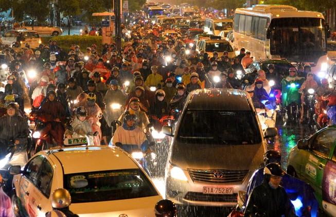 Bộ Giao thông lập tổ công tác giảm ùn tắc ở sân bay Tân Sơn Nhất