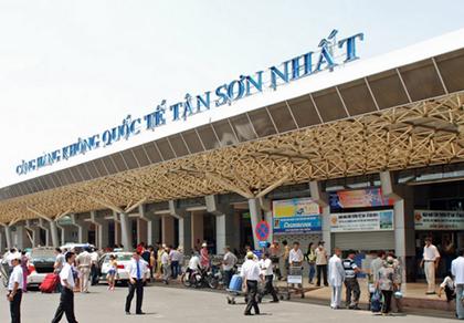 Sân bay Tân Sơn Nhất quá tải chưa từng có
