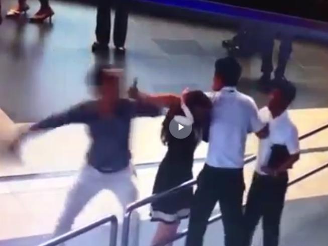 Hành khách xô xát với nữ nhân viên hàng không lên tiếng