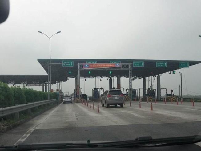 Xóa 1 trạm thu phí trên cao tốc vì gây ùn tắc