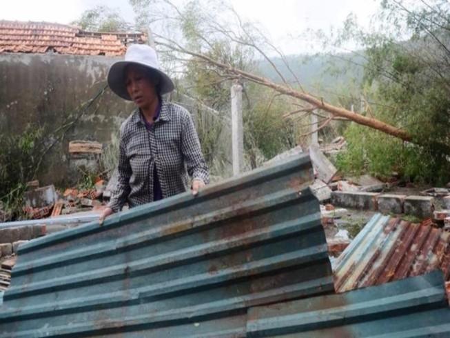 Hỗ trợ gạo khẩn cấp cho người dân Hà Tĩnh