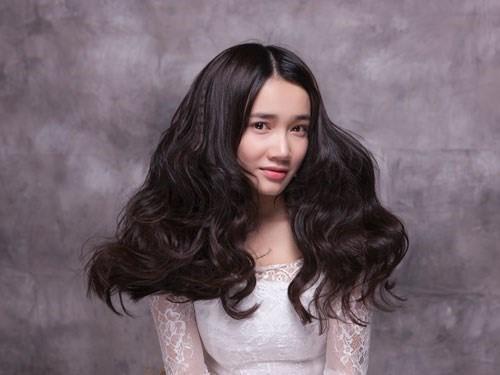 NSƯT Thu Hà gọi con, xưng mẹ khen Nhã Phương về diễn xuất